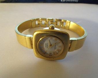 Ladies Watch Bangle Bracelet Gold Tone Square