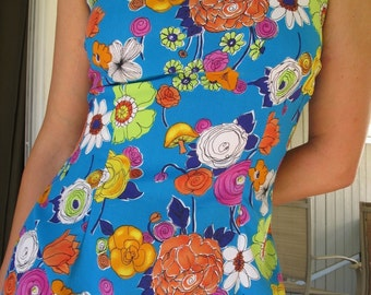 1990s does 60s MUSHROOM Floral Dress Daisies Roses Psyhedelic Retro Fitted Cyan Blue Tank / Shift Mini // Medium / Small