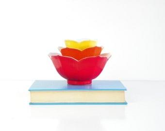 Vintage Set of 3 Colorful  Porcelain Lotus Bowls