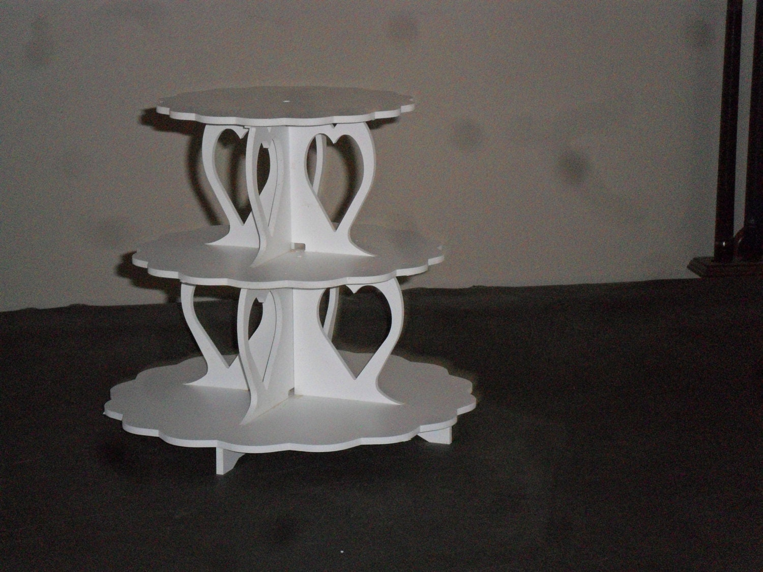 3 tier cupcake stand round or scallop heart cupcake stand cup. Black Bedroom Furniture Sets. Home Design Ideas
