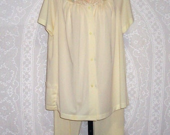 Size 40 (Large) - Vintage Pajamas - by Shadowline - Yellow - Nylon