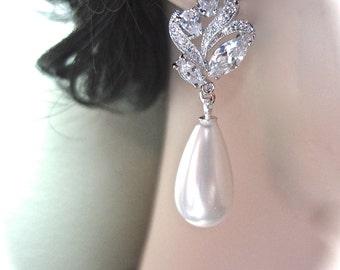 Brides earrings - Pearl earrings - Long - Cubic zirconia's - Pearl drop earrings - Wedding jewelry - Formal jewelry - Outstanding ~ LILLY