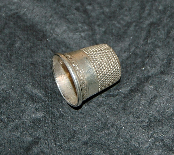 Reduced: Vintage STERLING THIMBLE by GOLDSMITH Stern Co., New York, N Y 1890 - 1908 Sterling Silver Size 8 S C, Very Good Condition -
