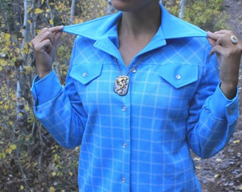 Granny Style - 70s Vintage Homemade Shirt Blouse, Sky Blue Checked Squares Sweet Collar Button Up, Small