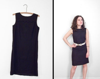 SCALLOPED Shift Dress 1960s Another Pettisize Jr. Size S M Black Sleeveless