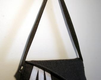 Sabrina - Vintage-Style Art Deco-Inspired Clutch Handbag in Gray Tweed