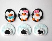 Fondant penguin cake. Penguin fondant topper. Edible penguin topper. Penguin party. Onederland fondant. Fondant igloo. Igloo topper