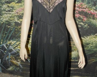 Slip Full Black Nylon Wide Lace Top with Gathered Insert Accent Fitted Waist 32 Bust Gored Bodice