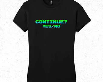"""Gaming t-shirt women's - retro 8bit t-shirt - """"Continue"""""""