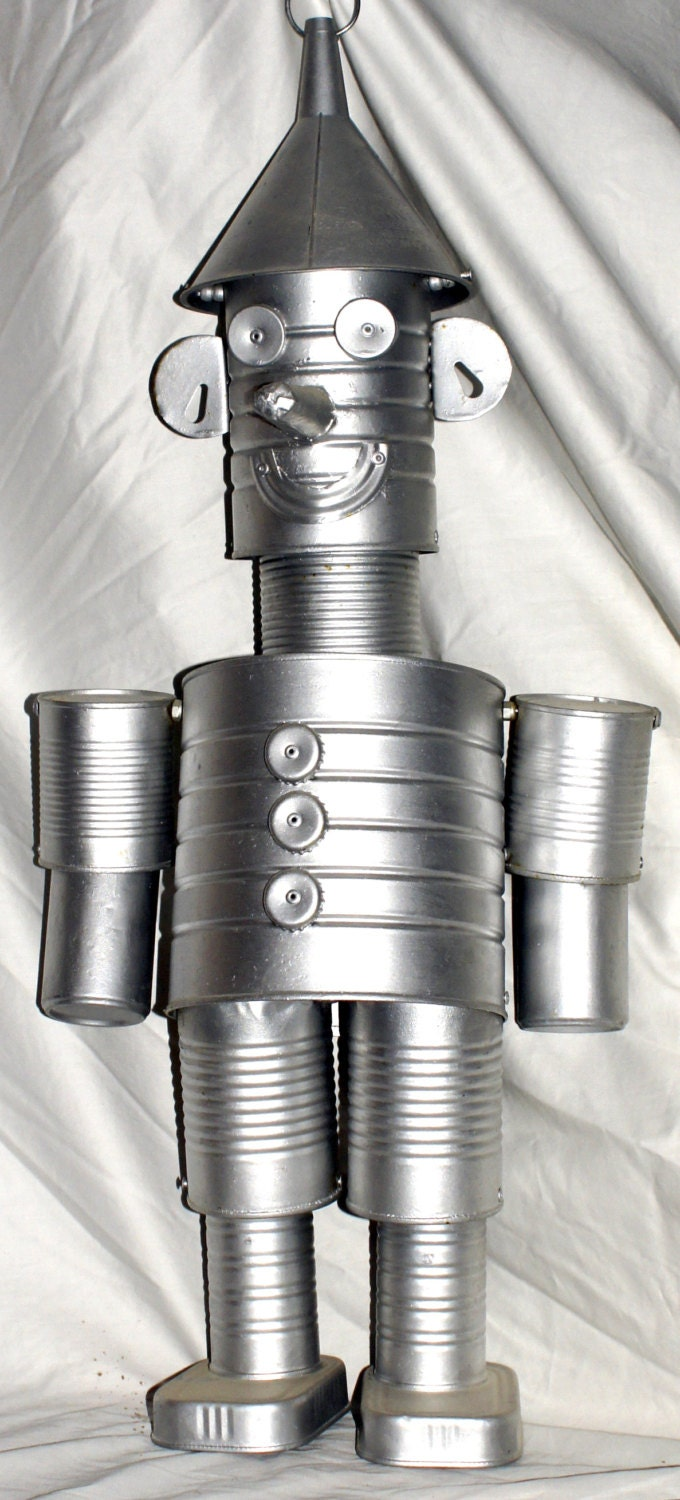 The tin man wizard of oz statue made of real tin cans for How to make a tin man out of cans