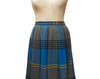 vintage 1960s plaid skirt / Juniorite / pleated skirt / wool / school girl / full skirt / 60s skirt / women's vintage skirt / size medium