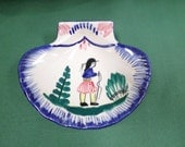 HB Quimper Pottery Vintage French Handpainted Breton scallop tray w534
