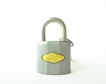 Vintage 1pc retro gray padlock miniature lock and key with original box (UNUSED)