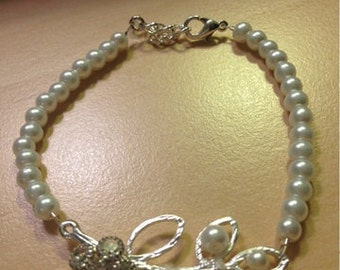Bridal Bracelet Wedding Jewelry Pearl Flower And Leaf Country Bridesmaid Gift