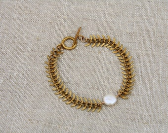 Mia Bracelet: Beautiful coin pearl wire wrapped on brass fish bone chain with brass toggle clasp