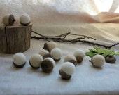Wool Felt Acorns - Ivory