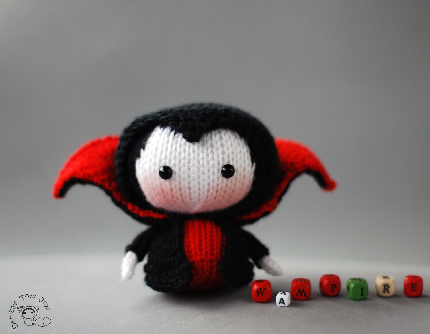 Knitting Toys In The Round : Vampire doll tanoshi series toy knitting pattern knitted in