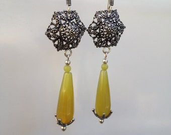 Tear Drop Faceted Yellow Agate Earrings, Antique Silver Filigree and Tear Drop Agate earrings, Boho Earrings, Dangle Agate Tear Drop Earring