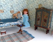ANTIQUE DOLL BEDROOM for mini American Girl, Amanda Jane, Betsy McCall, Blythe, Bratz, Ginny, Mme Alexander, Kripplebush and all 68 dolls