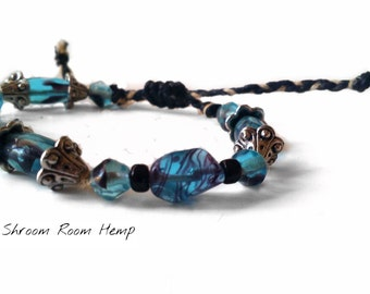 SALE // Black and Natural Adjustable Hemp Bracelet with Black and Blue Glass beads