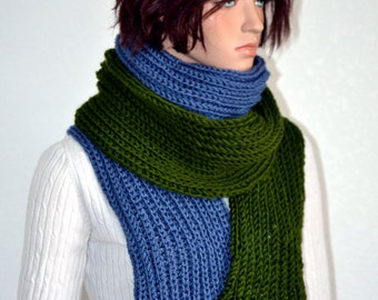 Knitted Winter Scarf in Dark Green and Blue