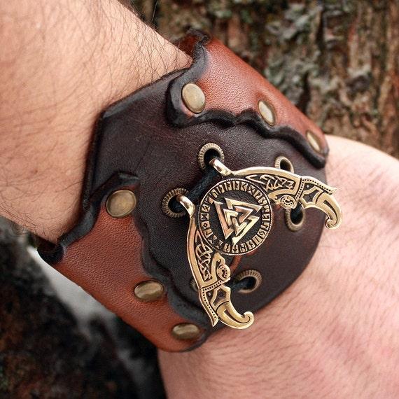 bronze valknut futhark odin triple horn ravens vikings amulet. Black Bedroom Furniture Sets. Home Design Ideas