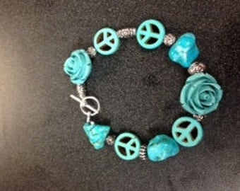 in honor of Manchester a piece bracelet