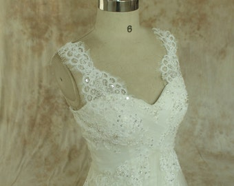 Ivory A line formal vintage lace wedding dress with scallop neckline