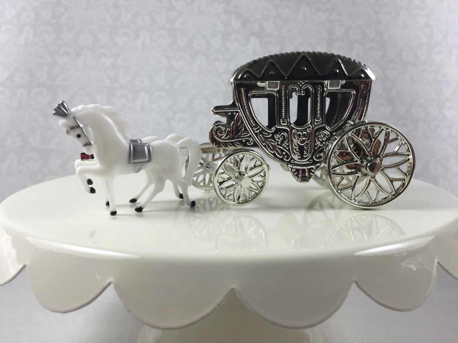 Cinderella Style Horse With Fillable Carriage Cake Topper