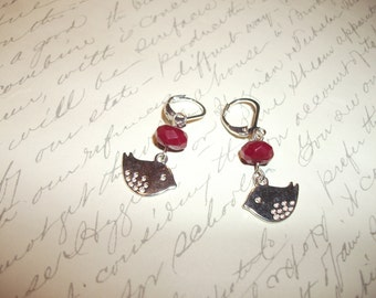 Silver bird earrings with raspberry glass bead