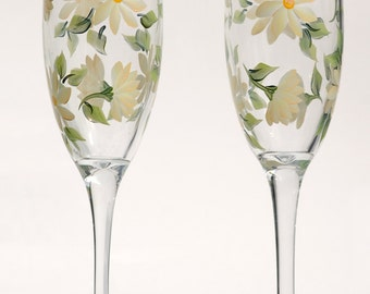 Soft Yellow Daisies Champagne Flutes (Set of 2)