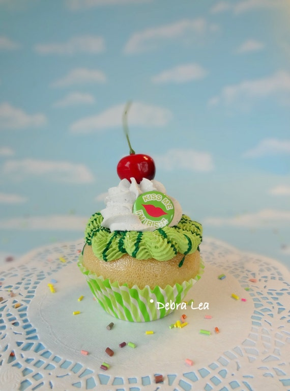 Fake Cupcake St. Patrick's Day Green Kiss Me I'm Irish Lucky Leprechaun Kitchen Decor Display Decoration