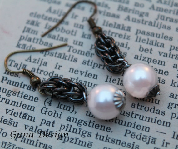 Persian Chainmaille Dangle Earrings with Light Pink Beads