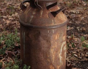 Vintage Shabby Chic Rustic Milk Jug Can French Country Farm garden Yard Art Decor planter