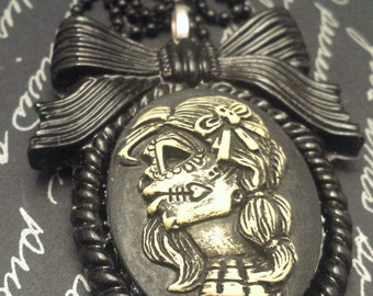 Lovely Gothic Lolita Bow Cameo / Day of The Dead Lady / SugarSkull Pendant / Gothic Antique / Old Fashioned Gothic / Gothic Lolita Pendant