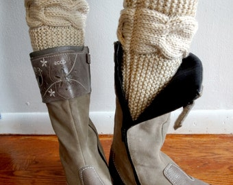 Cable Knitted Boot Cuffs. 20 Different colors. Leg Warmers. Hand Knit boot Toppers. Fashion Accessory for Women and Teens. Set of 2 pcs.