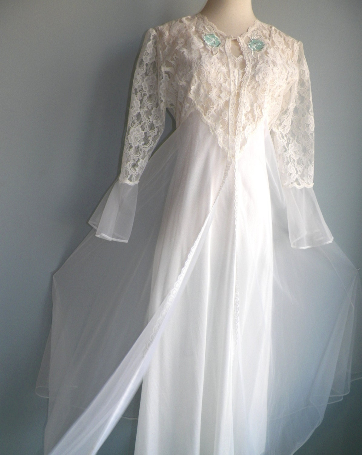 Superb White Lace Nylon Chiffon Negligee Nightgown And Robe