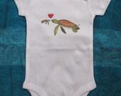 Bébé mignon, bébé Unique, Body de tortue de mer, bébé tortue de mer, plage de bébé, bébé nautique, cadeau de bébé, tortue de mer