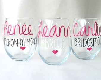5 Bridesmaid Gift, Maid of Honor, Bride to Be, Bridal Party, Bridesmaid, Wine Glass, Custom Glass, Personalized, Stemless Wine Glass,