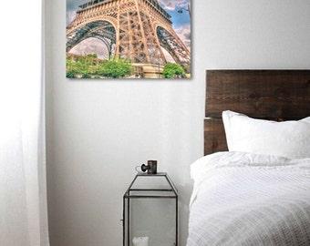 Sunset on the Eiffel Tower (Paris).