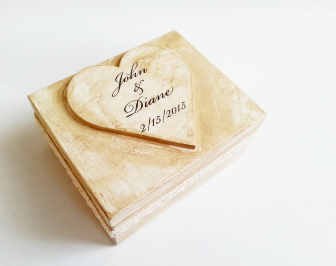 Antiqued wedding rings box