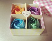 Made to order : mini roses in the box with love message (marry me surprise)