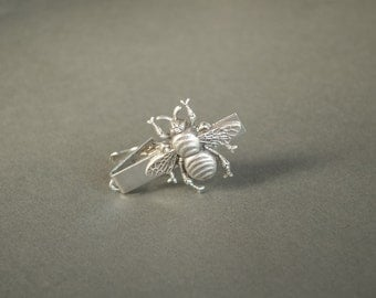 Bee Tie Clip Bee Tie Bar Bee Gifts Steampunk Tie Clip Honeybee Animal Insect Gifts for Him Antique Silver Men's Gifts