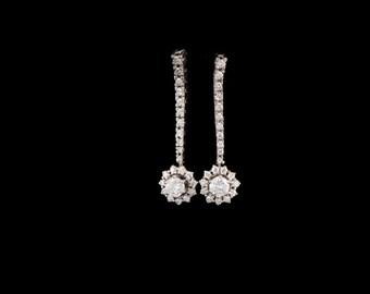 Stunning 14K White Gold Earrings with Diamonds