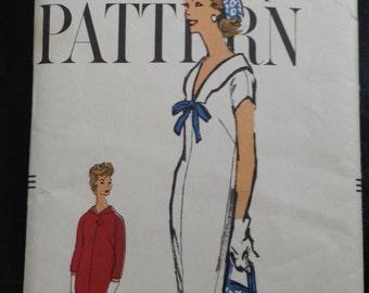 1950s Vintage Vogue Dress Pattern 9469