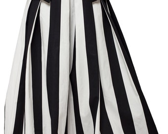 Items similar to Monochrome Maxi Skirt / Oversize Long Skirt ...