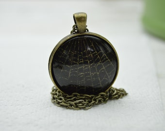 Metallic Spiderweb Pendant - Gold