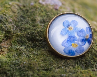 VERGISSMEINNICHT - Brooch with Forget-me-not blossoms, Flower Jewelry, Real Pressed Flower in Resin, Pressed Flower Jewelry, Resin Jewelry