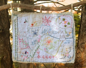 "Small wall hanging crazy patchwork: ""The secret garden"""