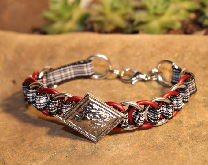 The Dundee Bracelet - Highland Dance edition - Menzies - Large Button - red, silver rings